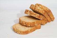 Pedazos de pan del trigo integral Imagen de archivo
