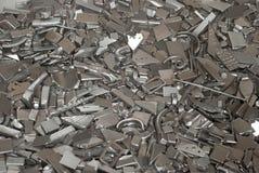 Pedazos de piezas metálicas Fotos de archivo libres de regalías