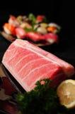 Pedazos de sushi de los pescados de atún Foto de archivo