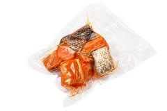 Pedazos empaquetados al vacío de salmones Foto de archivo libre de regalías