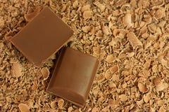 Pedazos y virutas del chocolate Foto de archivo libre de regalías