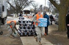 Pedernal, Michigan: Distribución de agua de la emergencia Foto de archivo