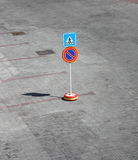 Pedestrian Crossing Sign Royalty Free Stock Photos