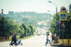 Pedestrians n droga zdjęcie royalty free