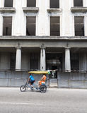 Pedicab sur la route Image libre de droits