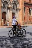 pedicabs的人 免版税图库摄影