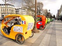 Pedicabs чавкает lysées Париж ‰ à Стоковое Фото