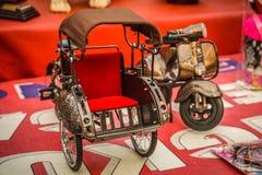 Pedicap miniature avec la couleur rouge et la grande qualité a fait des jouets photographie stock libre de droits