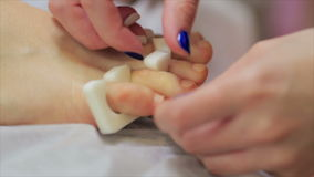Pedicures in de salon stock footage