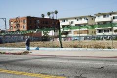 Pedone che cammina in Koreatown Los Angeles Fotografia Stock