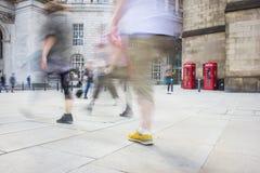 Pedoni nel centro urbano, Regno Unito Fotografia Stock Libera da Diritti