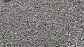 A pedra apressada ¡ de Ð cai para baixo o montanhês vídeos de arquivo