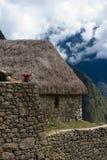Pedra bldg do telhado da grama de Machu Picchu Imagens de Stock