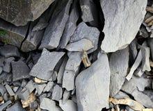 Pedra calcária cinzenta da textura do flagstone em Pyrenees imagem de stock