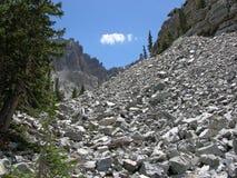 Pedra calcária corrmoída no parque nacional da grande bacia Fotos de Stock
