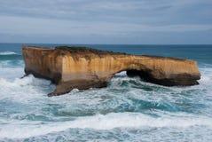 Pedra calcária da ponte de Londres, grande estrada do oceano, porto Campbell, Victoria, Austrália Foto de Stock