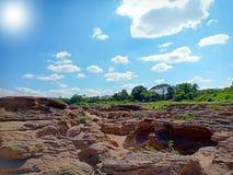 Pedra calcária e a luz solar imagem de stock