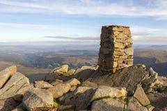 A pedra construiu o ponto do Trig Fotos de Stock Royalty Free