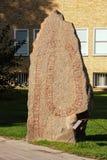 Pedra da runa de Viking. Linkoping. Suécia imagens de stock
