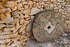 Pedra de moer Ithaki-velha de Grécia, ilha em um moinho em Frikes Imagem de Stock