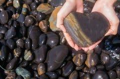 Pedra do cervo na praia da rocha na ilha de Hin- Ngam imagem de stock