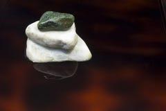 Pedra e reflexões Imagem de Stock