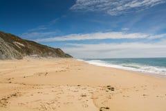 Pedra font la plage d'Ouro dans le sao Pedro de Moel, Portugal Image stock