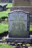 Pedra grave velha em Kirk de São Nicolau em Aberdeen, Escócia imagem de stock royalty free