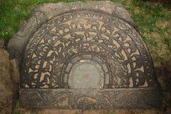 Pedra lunar cinzelada em Sri Lanka Fotos de Stock Royalty Free