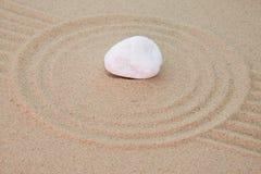 Pedra na areia Fotos de Stock Royalty Free
