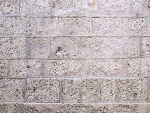 A pedra obstrui a parede antiga Fotografia de Stock Royalty Free