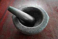Pedra, pilão e especiaria do almofariz imagens de stock