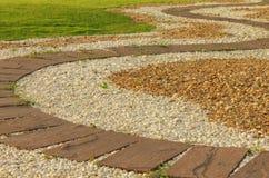 Pedra vermelha estradas pavimentadas no parque Imagem de Stock Royalty Free