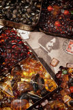 Pedras ambarinas em umas caixas Foto de Stock