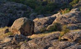 Pedras bonitas do granito na garganta de Aktovo, natureza, Ucrânia Fotografia de Stock