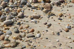 Pedras coloridas da praia fotos de stock royalty free