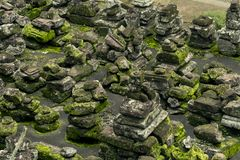 Pedras com musgo Fotos de Stock