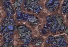 Pedras da safira descobertas dentro de uma mina Fotos de Stock Royalty Free