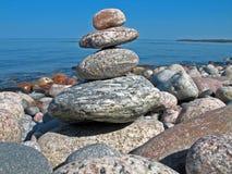 Pedras de equilíbrio Fotografia de Stock Royalty Free
