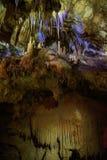 Pedras do cársico na caverna do PROMETHEUS fotos de stock royalty free