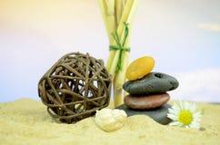 Pedras dos termas com areia Imagem de Stock