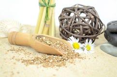 Pedras dos termas com areia Fotografia de Stock Royalty Free