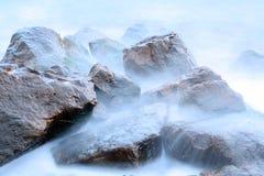 Pedras e mar fotografia de stock royalty free