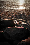 Pedras e ondinhas Foto de Stock Royalty Free