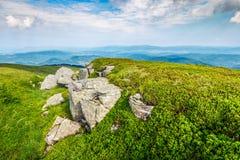 Pedras e pedregulhos na cordilheira Carpathian Fotos de Stock Royalty Free