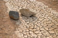 Pedras em um rio seco fotografia de stock