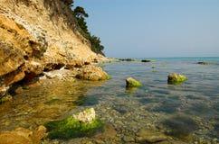 Pedras na água imagens de stock