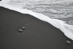 Pedras na costa Imagem de Stock
