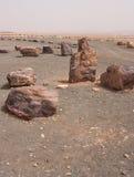 Pedras na cratera Mizpe Ramon - deserto do Negev Fotos de Stock
