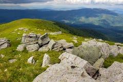 Pedras na parte superior da montanha Imagens de Stock Royalty Free